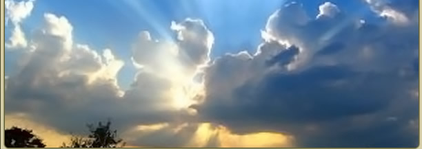 Picture of sun rays through clouds
